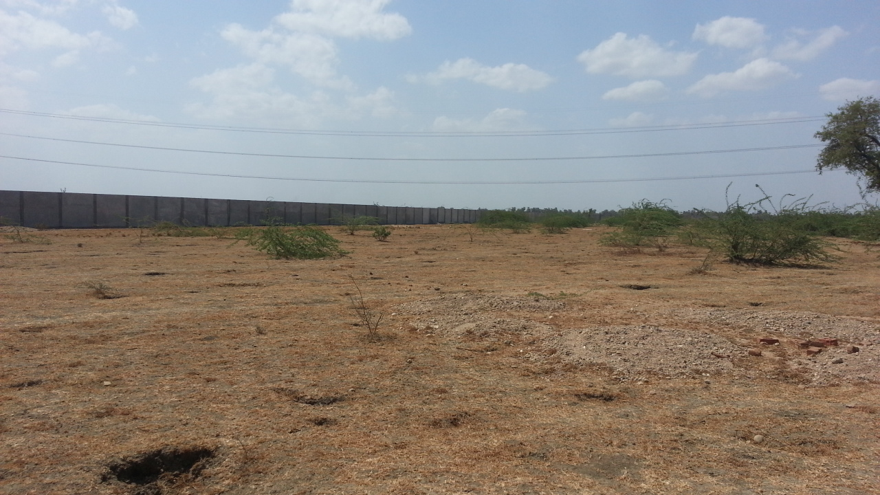 GOOD FORROAD LOCTION 1200 ACRES INDUSTRIAL LAND AGENT IN VITTHALAPUR AHMEDABAD