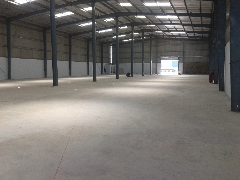 98000 SQ FT WAREHOUSE  FOR LEASE OR RENT AT VADODARA , PRAKASH ESTATE