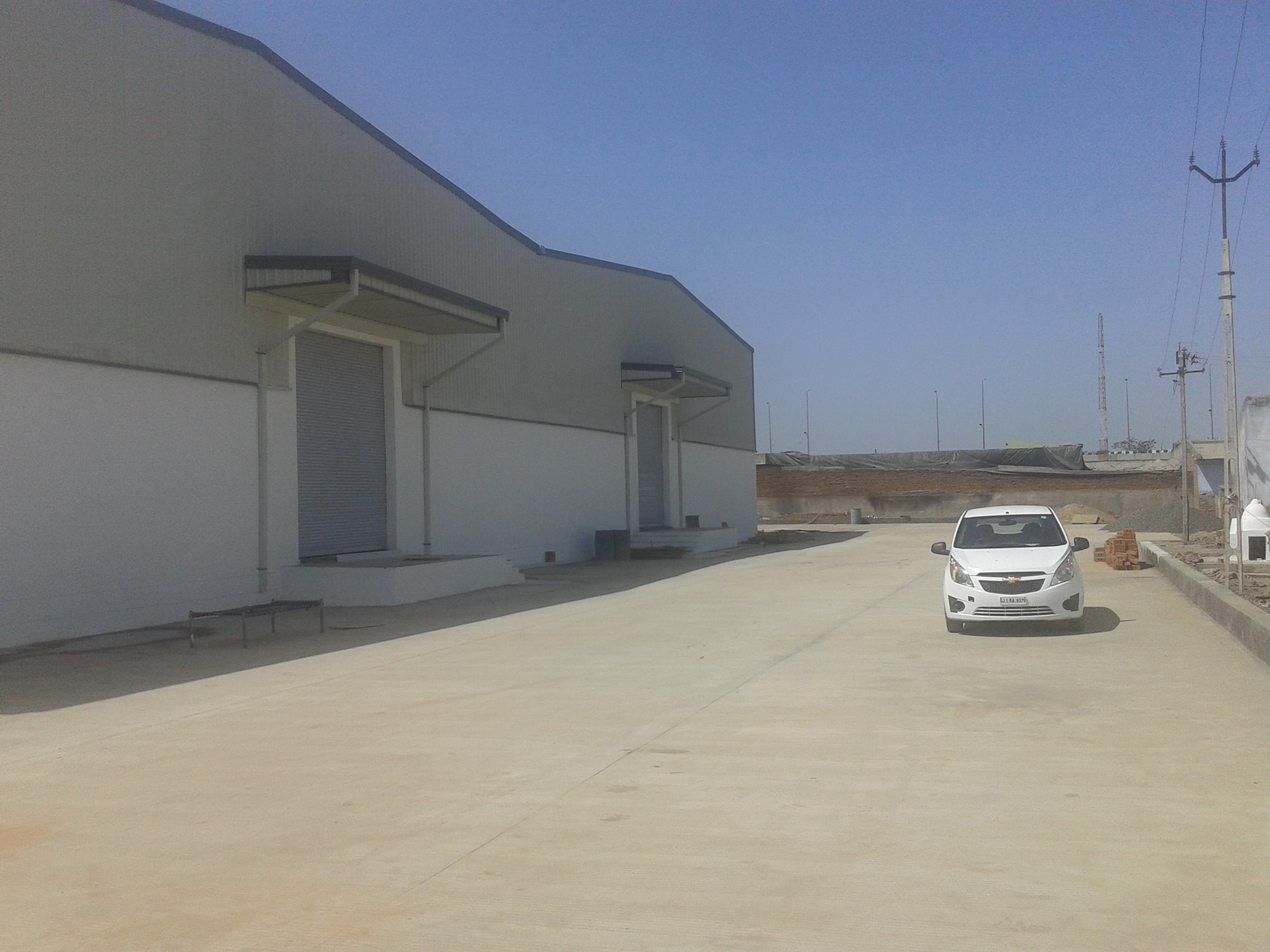 INDUSTRIAL SHED | FACTORY FOR LEASE IN BHILAD , SARIGAM , SURAT – 7043395463